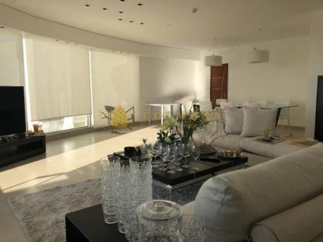 Apartamentos En Playa Mansa: Col744a