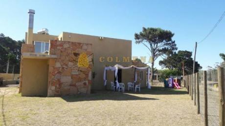 Casas En Punta Del Este: Col748c