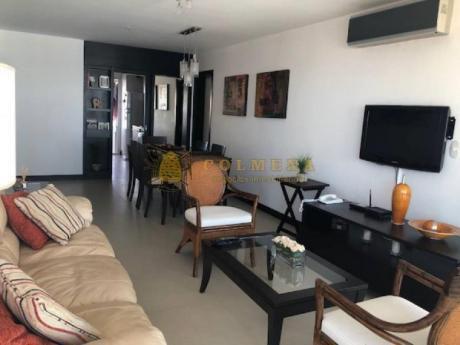 Apartamentos En Playa Mansa: Col781a