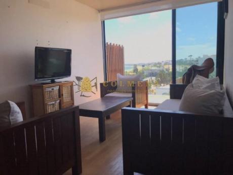 Apartamentos En Playa Mansa: Col889a