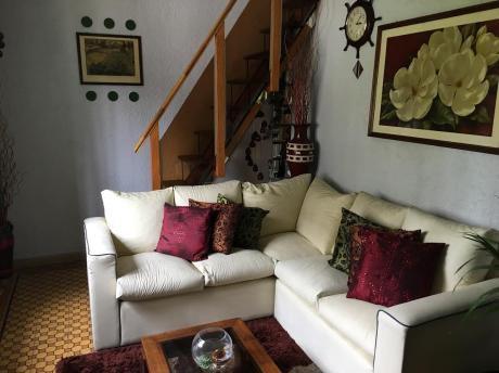 Hermosa Casa En Buceo. Av Italia Casi Propios.