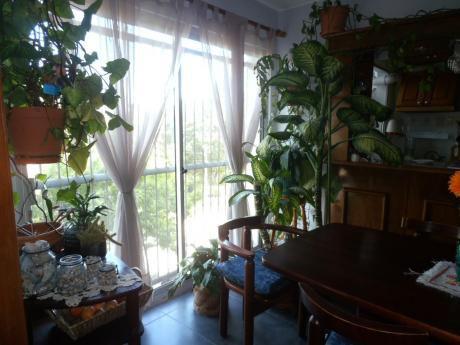 1744 - Muy Buen Apartamento  U122691 75.000 Mas Cuotas De $ 14.900.-