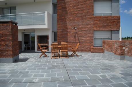 Venta Apartamento De 3 Dorms 2 Baños Con Garage - Puerto Buceo