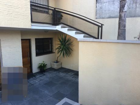 Buceo Casa 3 Dormitorios,3 Baños Y Cochera