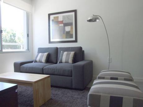 Venta De Apartamento 2 Dorms 2 Baños Con Garage - Puerto Del Buceo