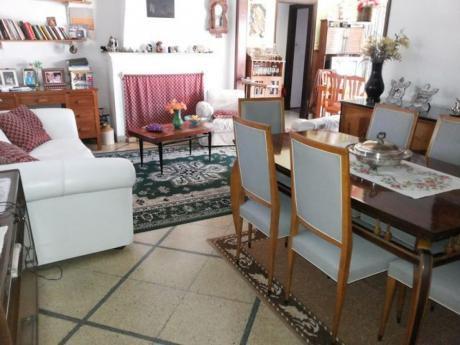 2 Casas Y 2 Aptos A Metros De Av Rivera