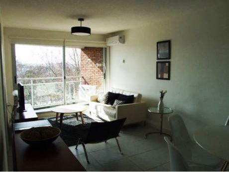 Alquiler De Apartamento 2 Dormitorios En Buceo, Montevideo