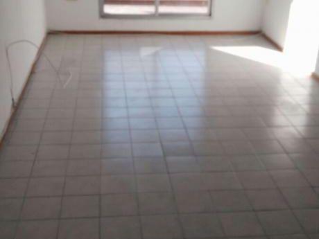 Agradable Apartamento De Tres Dormitorios En Buceo
