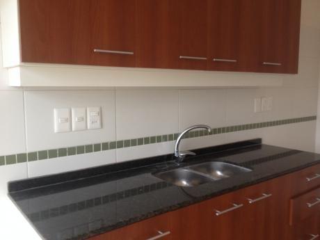 Excelente Apartamento 2 Dormitorios Con Cochera