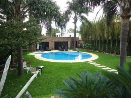 Carrasco Sur- Importante Residencia