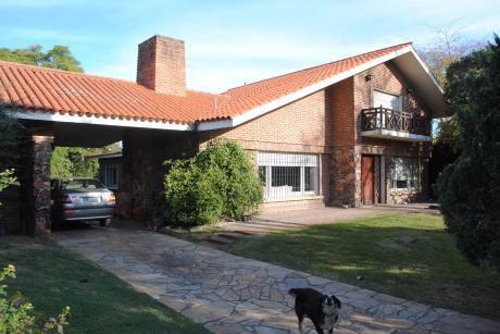 Espectacular Casa Con Gran Jardin