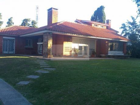 Venta Casa Con Terreno De 1.440 M2 En Carrasco Sur