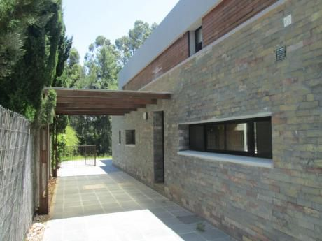 Casa En Carrasco 3 Dormitorios