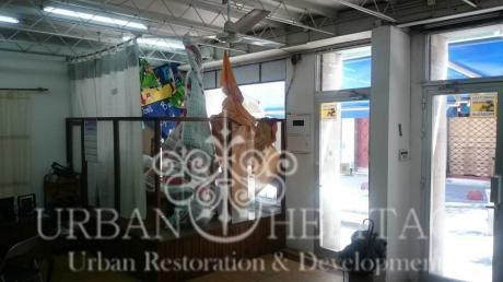 Local Comercial Amplias Vidrieras Peatonal Sarandí  Casi Colón