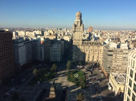 Espectacular Punto En Plaza Independencia!!!  2101 Tupi