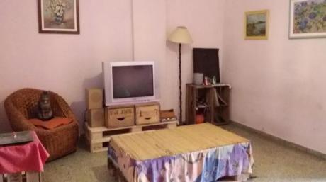 Venta De Apartamento 4 Dormitorios En Parque RodÓ Con Renta!!