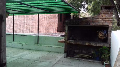 Independiente. Terraza Techada Con Parrillero