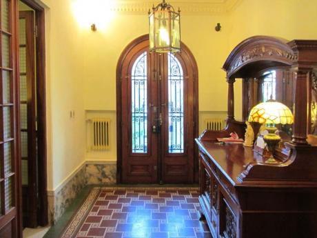 Tradicional Residencia De 1926  Reciclada