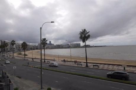 Lo Mejor De La Rambla. Divina Vista Al Mar!!