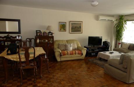 A Una Cuadra De La Rambla, En Pocitos, Esplendido Apartamento 3 - 4 Dormitorios