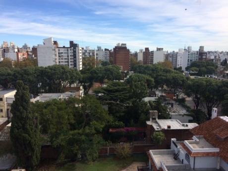 Impecable Apartamento En Pocitos, Alto, Con Vistas.