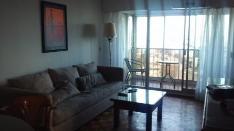Apartamento 3 Dormitorios, 2 Baños, Garaje, Amueblado, Pocitos