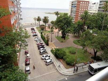 A Pasos Del Mar Y Plaza Gomenzoro, Equipado!!