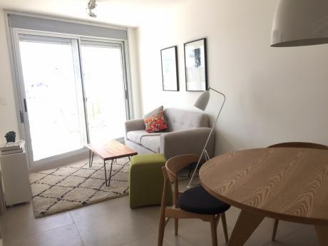 Venta De Apartamento A Estrenar Con Terraza, Piso 10 Pocitos