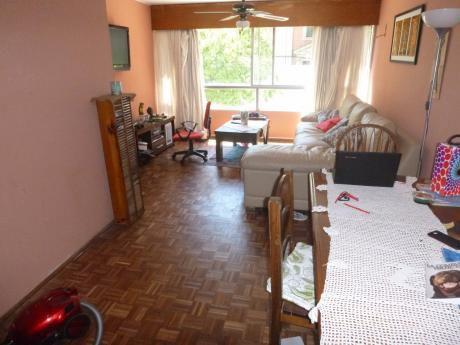 Apartamento En Pocitos Garage, Patio Y Parrillero 3 Dormitorios