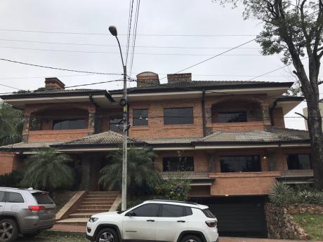 Importante Residencia En Alquiler Barrio Carmelitas