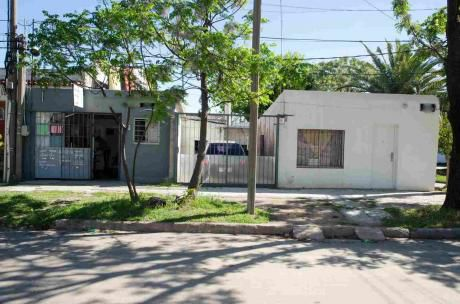 2 Casas Más Local - Imperdible Oportunidad.