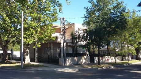 Casa Para Empresa, Instituto, Clinica.