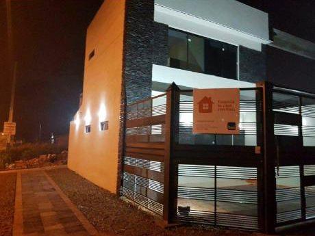 Doy En Alquiler Hermoso Duplex  Zona De Ñemby