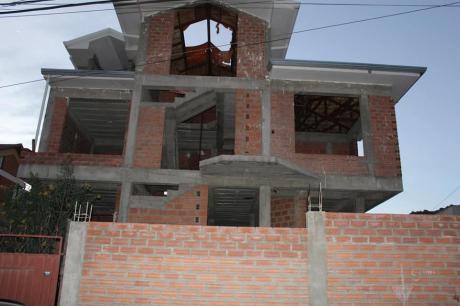 Casa En Venta Obra Gruesa $us.250.000 Achumani