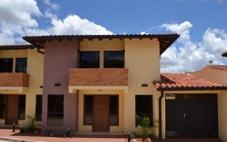 Duplex A Estrenar En Condominio! Zona Mcal Lopez Y Santa Teresa