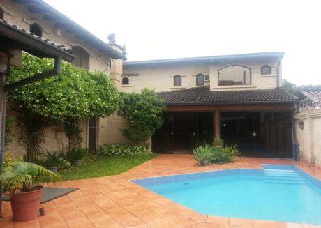 Residencia En Ycua Sati