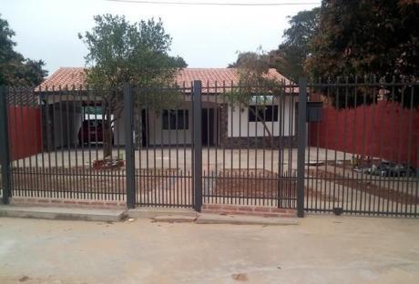 Alquilo Casa De 2 Dormitorios En San Lorenzo A Metros De La Avda Gral Garay