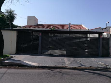 Vendo Hermosa Casa En Bo.jara ( Residencial ) 750 Mts2