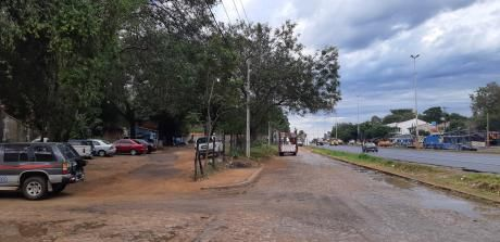 Mariano Roque Alonso: Amplia Esquina Sobre La Transchaco - Solo 200 Usd/m2!