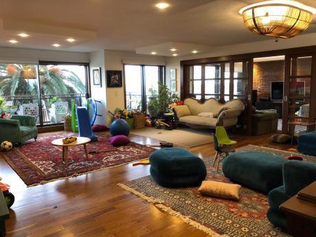 Apartamento De Lujo De 4 Dormitorios, Con Vista Al Puerto De Buceo!