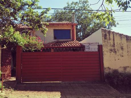 Vendo Duplex En Mburucuya Zona Residencial 165.000 Usd
