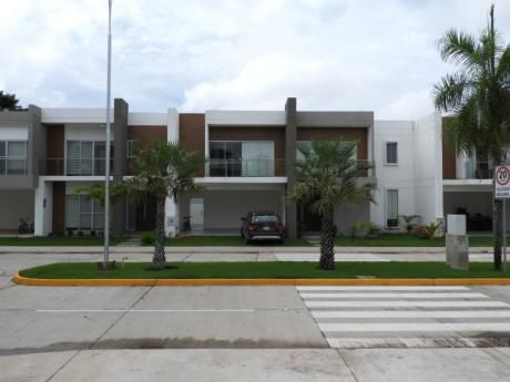 Casa 4 Dormitorios Jardines Del Norte IV
