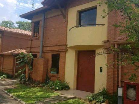 Alquilo Casa En Barrio Cerrado