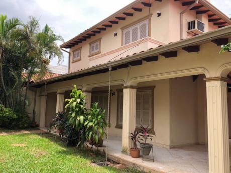Casa En Zona Colegio Del Sol