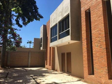 Alquilo Duplex En Barrio Cerrado A Estrenar En Mburucuya