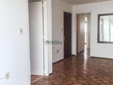 Apartamento De 2 Dormitorios Y 2 Baños En Alquiler - Pocitos