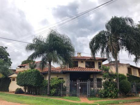 Vendo Casa Zona Colegio Fndo De La Mora