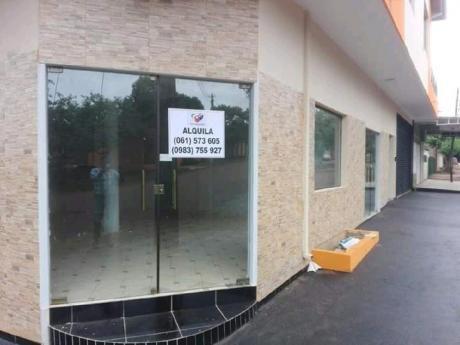 Salon Comercial En Alquiler