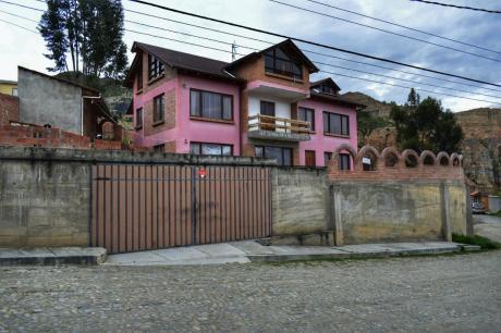 En Los Almendros Calle 2