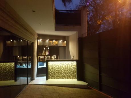 Moderno Duplex En Barrio Herrera